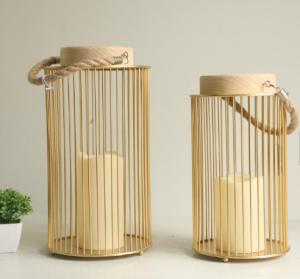 China 2019 newest gold round metal electronic candle holder for weddings and indoors Lantern with LED Lamp Operated by Battery on sale