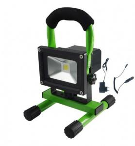 China Protable 2700K 5W Rechargeable Led Floodlight IP65 For Car Charger Emergency on sale