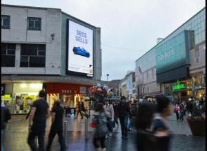 China Electronic Outdoor Led Advertising Billboard P10 1R1G1B Aluminum or Iron on sale