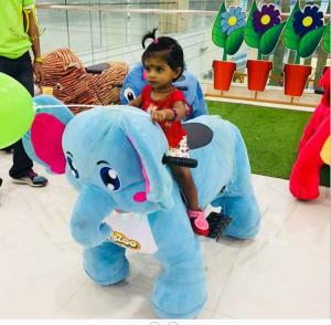 China Hansel  indoor kids coin operated animal joy ride shopping mall adult plush animal riding on sale