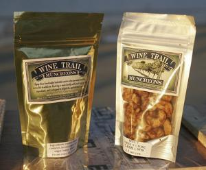 China Stand up / Standing Food Packaging and Plastic Ziplock Bags for Packaging Nuts on sale