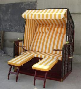 China Contemporary Dark Brown Wood And Wicker Roofed Beach Chair & Strandkorb on sale