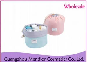 China Multi Functional Hanging Cosmetic Bag , Cylinder Outdoor Portable Makeup Bag on sale
