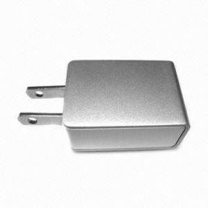 China Charger for Apple, Supports 5.0V Output Voltage, Easy to Use, Universal AC DC Adapters on sale