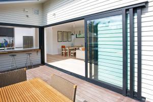 China Heat Insulation Villa Garden Aluminium Sliding Glass Doors on sale