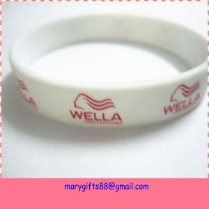 China Bottom price hot-sale 2014 new cross silicone bracelets on sale