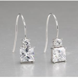 China L'oreille de l'argent sterling des femmes de zircon de Clear plaquée par rhodium de princesse Cut cloute JSER006 on sale