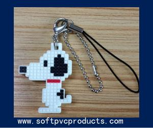 China Chequer Snoop Cartoon Soft PVC Keychain / Key Chains with Logo for Promotional Gifts on sale