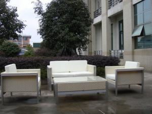 China All Weather White Outdoor Rattan Sofa For Garden / Patio / Bar on sale