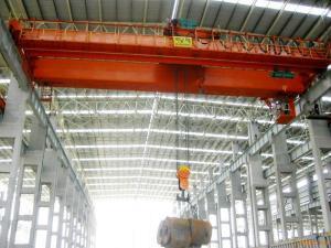China Prefab Industrial Steel Buildings Pre-engineered Building With Cranes Inside on sale