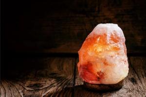 China Large Himalayan Salt Lamp Organic Material , Pink Crystal Salt Rock Lamp Night Light on sale