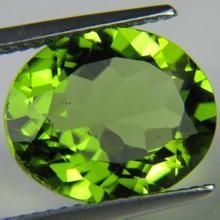 China Peridot Oval Natural Loose Gemstones For Peridot Earrings , Pendants 5×7mm on sale