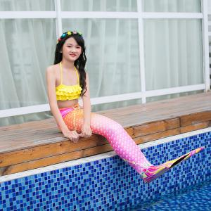 China Multi - Founctional Mermaid Tails For Swimming / Beach Mermaid Swimwear For Kids on sale