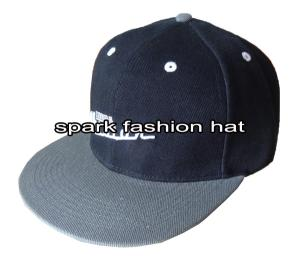 Quality 100% acrylic two tone embroidered flat visor snapback baseball cap for sale