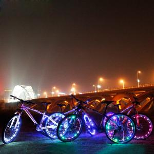 China Rechargeable 20 Led Bike Wheel Lights Fun RGB Color Changing Design on sale
