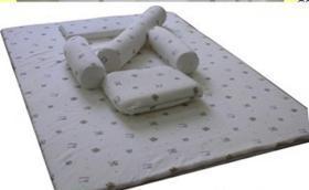 China Baby sleeping set (5 items) on sale