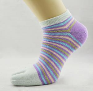 China OEM Comfortable Organic Cotton  Stripe Sweat-absorbent Five Toe Socks For Lady on sale