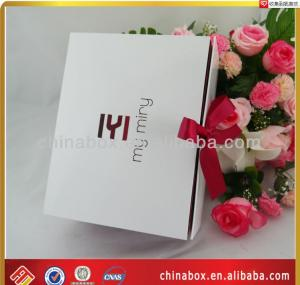 China customized flat packed gift packaging box wholesale on sale