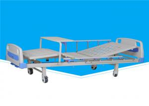 China 2130 * 960 * 500mm Manual Hospital Bed 0 - 75 ° Back Section Lifting Angle on sale