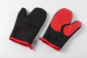 China silicone oven mitts/ oven glove OEM offer  sizes:27*17  31*18cm  material:cotton+silicone on sale