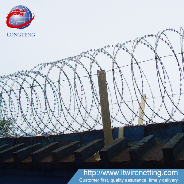 Iron 2mm Galvanized Barbed Wire Stainless Steel Material ISO9001 ...