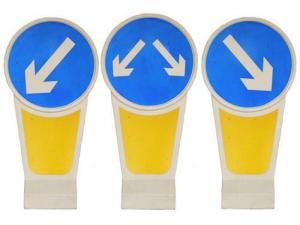 China Illuminated Traffic Bollards Solar Powered LED Warning Signs Safety Dividers on sale