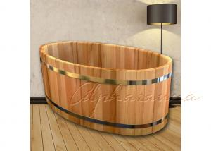 China ISO Approved Inspiration Wood Bathtub With Years Red Cedar for Home Shower Bath on sale