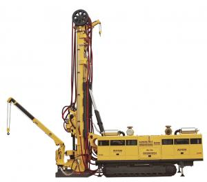 China Truck Mounted MD - 750 CBM Drilling Rig / Core Drill Rig , Drill Depth 3200m 2200m 1600m on sale