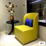 Style fantastique en bois de chaise de club de tissu de toile jaune confortable