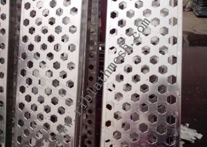 China Hexagonal Perforated Metal Mesh , 0.3-10mm Thickness Perforated Aluminium Sheet on sale