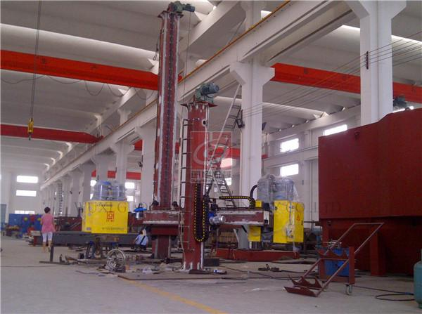 Column and Boom Manipulator for Pipe / Tank Automatic