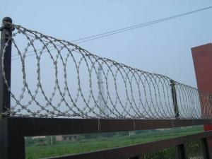 China Flat Wrap Coil Customized Razor Wire BTO-18 Hot Dipped Galvanized on sale