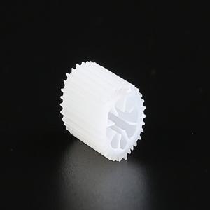 Bio meios de MBBR com tamanho material 5*10mm dos QUADRIS do Virgin algumas bio bolas Biocell da cor pesado