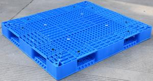China Eco Friendly HDPE Plastic Pallets / Stackable Plastic Pallets With Reinforced Rims on sale