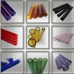 着色されたホウケイ酸ガラスの管
