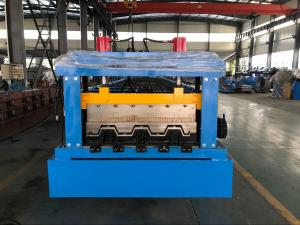 China 0.8 - 1.2mm Thickness floor decking forming machine Chain Drive on sale