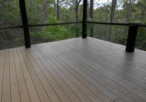 China Dimensional Stability Plastic Decking Boards , Recyclable Wood Plastic Composite Decking on sale