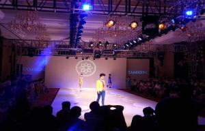 China Full Color P4 Indoor stage LED Display Hire For Fashion Show on sale