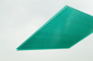 China Good Heat Insulation Multiwall Polycarbonate Sheet , Green Uv Roof Sheeting on sale