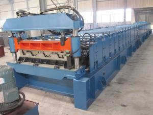 China Rollo de la cubierta del metal de la alta precisión que forma la máquina/la máquina de acero de la techumbre de la cubierta on sale