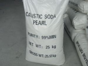 China caustic soda pearls beads 99% for paper making,Sodium hydroxide on sale