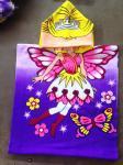 50*100cm 100%ポリエステル フード付きの赤ん坊の浴室タオル、女の子の蝶のためのポンチョ