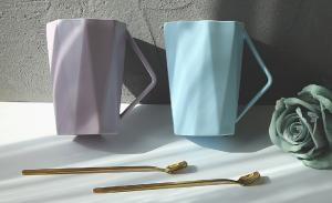 China Three Dimensional Milk Christmas Ceramic Mugs 400ml LFGB Approved For Restaurant on sale