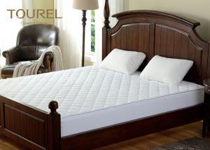 China Flat Crib Comforter Bedding Sheet Breathable Mattress Protector Vinyl on sale
