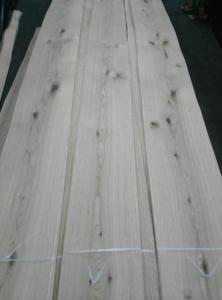 China Rustic Knotty Oak Wood Veneer Knotty Oak Natural Decorative Veneers for Furniture Door and Panel Industry supplier