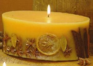 China Scented candle embedded with dried fruit slice on sale
