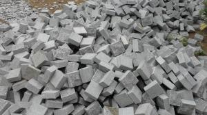 China The Most Popular Building Material Grey Granite Tile,Dark Grey Cube Stone,Kerb Stone,Paving Stone on sale