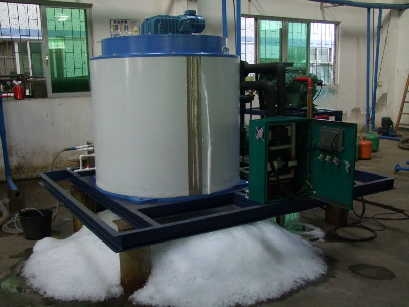 8 tons flake ice machine.jpg