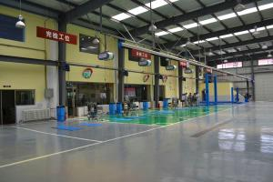 China Car Repair Shops Pre Engineered Steel Structure Painting Surface SGS / BV Certification on sale