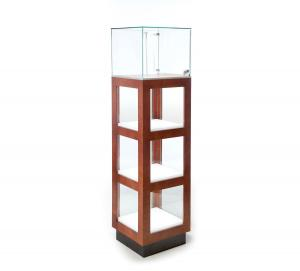 China Commercial Upright Lighted Display Cabinet With Levelers 65 Inch Height on sale